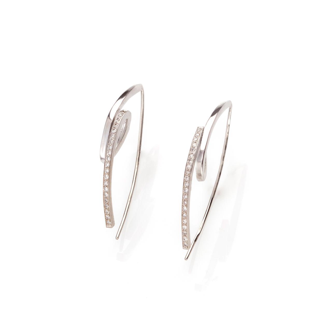 Spring Diamond gold earrings