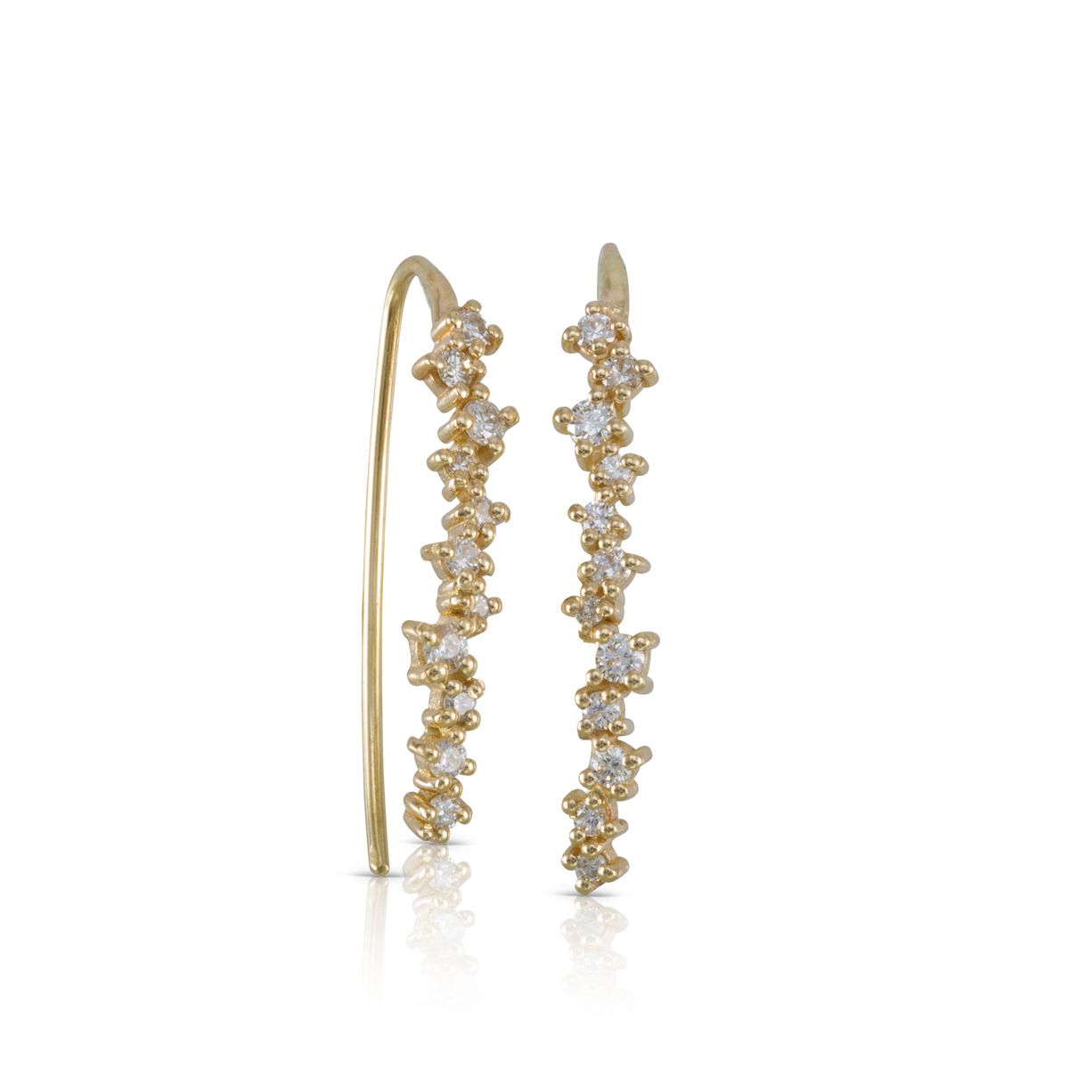 Long gold earrings with changing size Diamonds