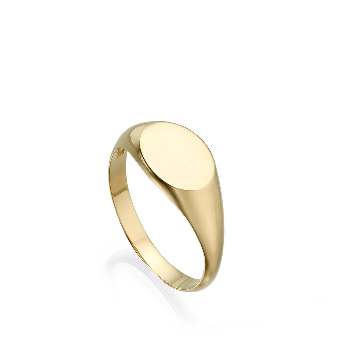 Oval signet gold ring