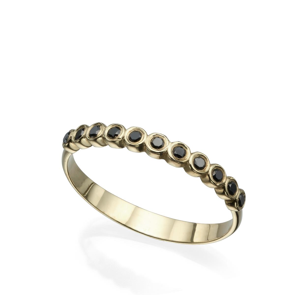 A single row bezel black diamonds ring