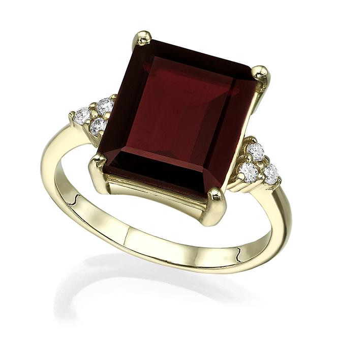 Large garnet and diamonds engagement ring